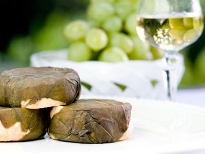 Eifelmilde mit Rotschmiere, Trester und Weinblatt